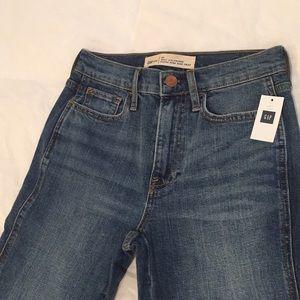 👖 NWT GAP Best Girlfriend Cropped Jeans